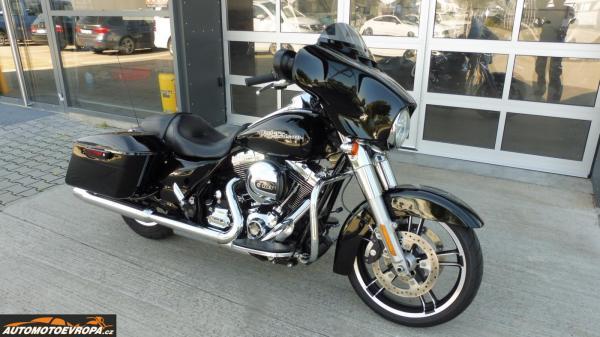 Prodej Harley-Davidson FLHX Street Glide